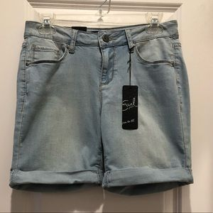 New With Tags Earl Jean Shorts Size 6 Cute!